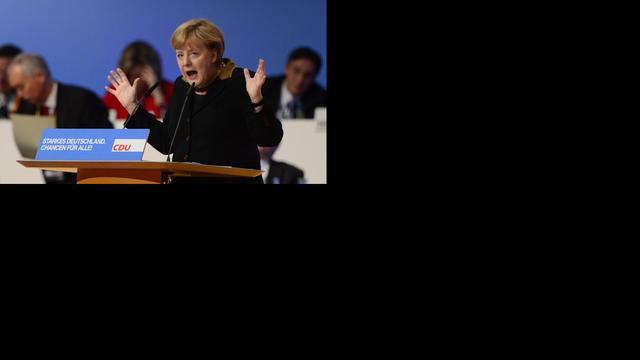 Merkel pleit voor voorzichtigheid tijdens crisis