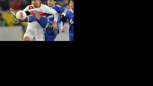 Schalke weer onderuit, Dost scoort winnende tegen Dortmund