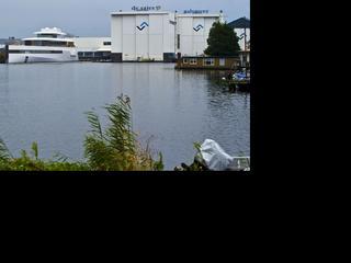Philippe Starck eist 3 miljoen euro extra voor werk aan boot