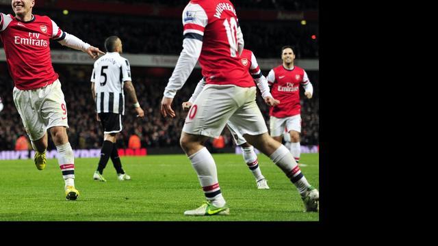 Arsenal na rust ruim langs West Ham United
