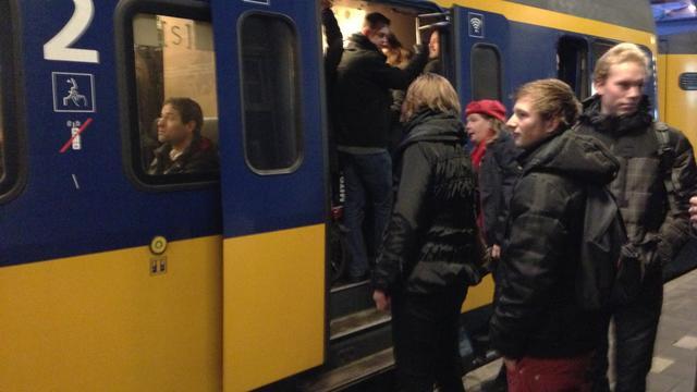 Treinreizigers zijn aangepaste dienstregeling beu