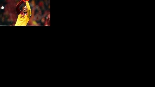 Invaller Sneijder speelt gelijk met Galatasaray