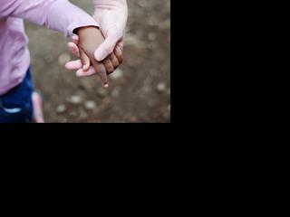 Stichting United Adoptees International wil dat programma van televisie verdwijnt