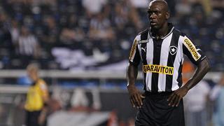 De Nederlandse routinier vervult een hoofdrol namens zijn Braziliaanse club Botafogo in de gewonnen uitwedstrijd tegen Madureira (1-2).