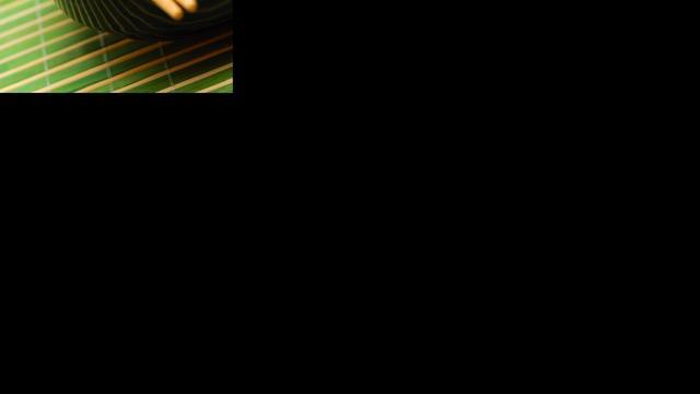 Zakkenroller gebruikt eetstokjes tijdens diefstal