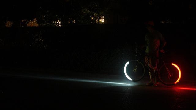 Ruim twintig fietsers op de bon bij lichtcontrole