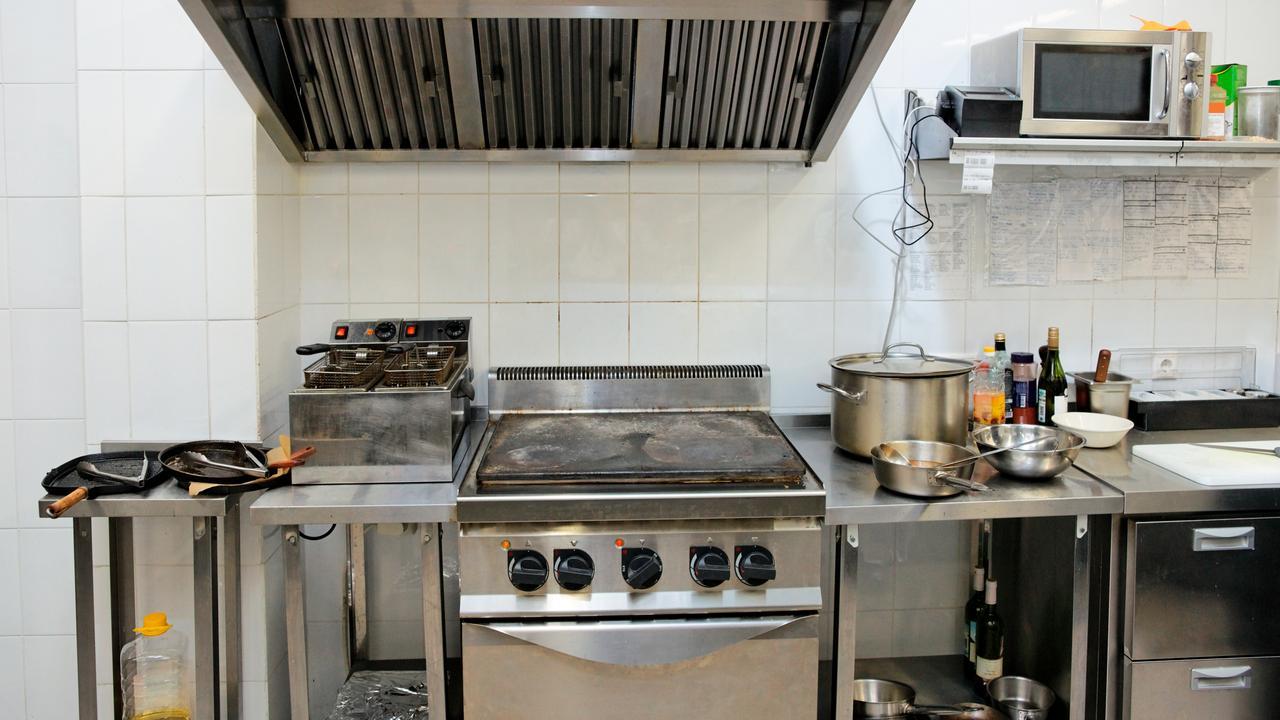 Keukens van chinese restaurants vaak vies nu het laatste nieuws het eerst op - Keuken uitgerust m ...