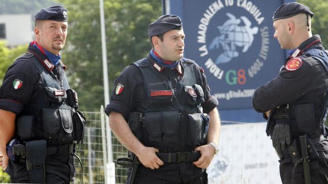 Italiaanse politie doet invallen bij voetbalclubs