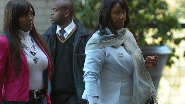 'Dochter Mandela roept familie bijeen'