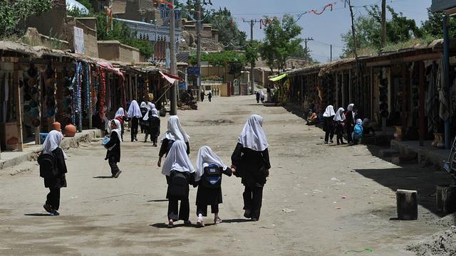 'Miljoenen kinderen niet naar school'