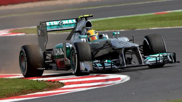 Hamilton vanaf pole position op Silverstone