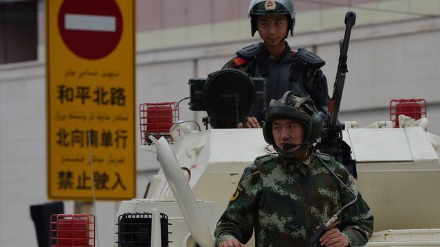 Zeker achttien doden bij aanval met messen en bommen in China