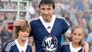 De Limburger neemt vrijdag afscheid als voetballer en hoopt terug te keren als trainer van de Eindhovenaren.