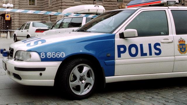 Agent gebruikt dienstauto bij illegale straatrace