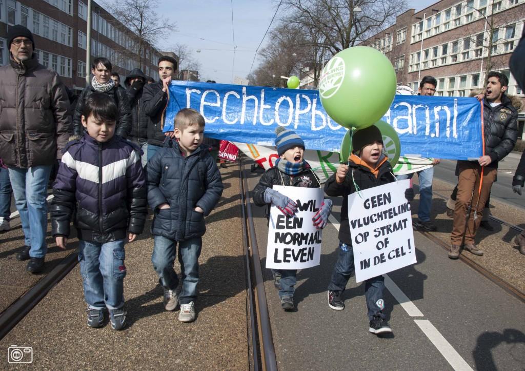 Demonstratie vluchtelingen in amsterdam foto 336817 for Demonstratie amsterdam