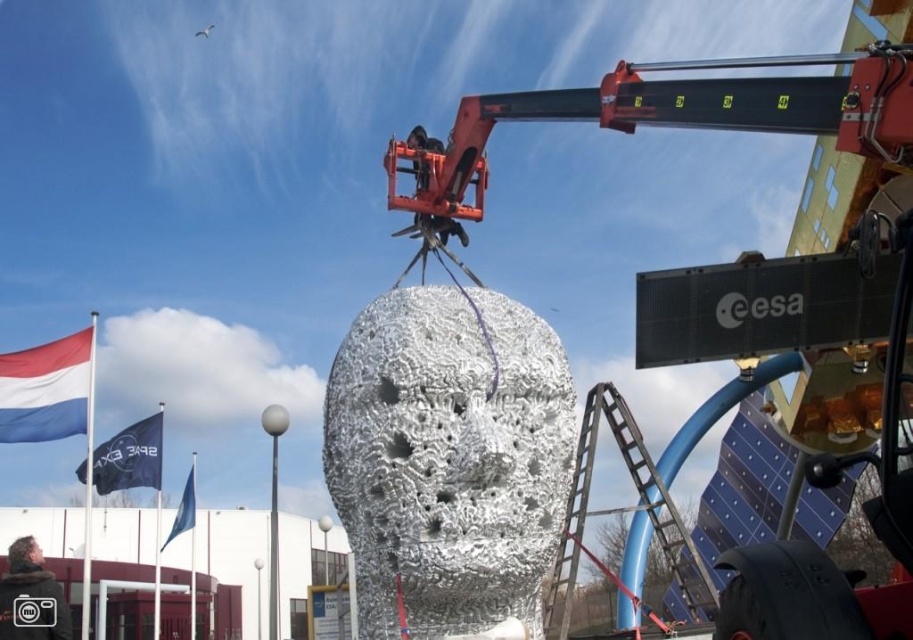 Kunstwerk geplaatst bij Space Expo Noordwijk foto 340539 | nufoto.nl ...