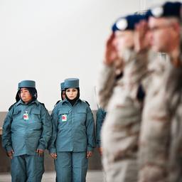 Nederland met maximaal 100 militairen naar Afghanistan