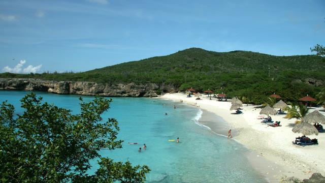Tientallen reizigers willen omboeken vanwege zikavirus