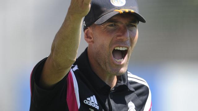 Schorsing trainer Zidane tijdelijk opgeheven