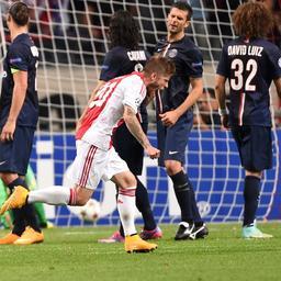 Ajax opent Champions League met gelijkspel tegen PSG