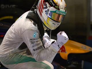 Hamilton blij met 'probleemloos' weekeinde