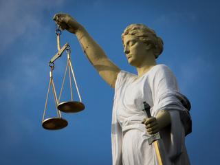 Man krijgt geen straf voor lossen schot, wel voor bezit drugs en vuurwapen