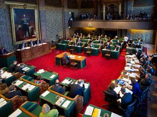 Partij vindt dat het kabinet niet zonder toestemming van de Senaat kan betalen