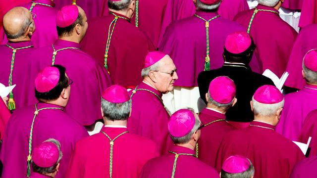 'Bisschop hoeft misbruik volgens Vaticaan niet per se te melden'