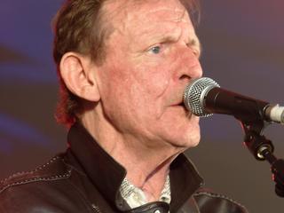 Bruce schreef en zong de meeste nummers van de Britse rockband