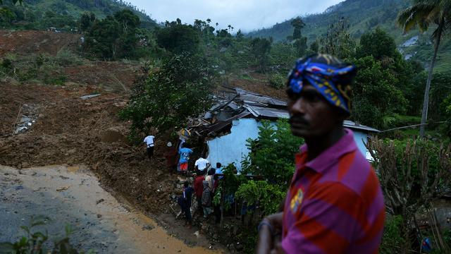 Zeker honderd doden door aardverschuiving Sri Lanka