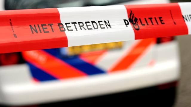 Arrestatieteam valt café binnen in Amsterdam-Oost