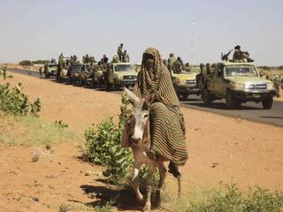 Tussen vredesmacht en regering bestaan spanningen over claim plaatsvinden massaverkrachting