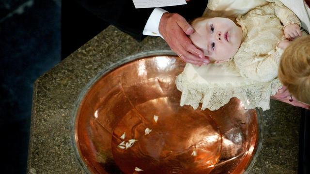 Negen kinderen gedoopt bij de Hervormde Gemeente van Tholen