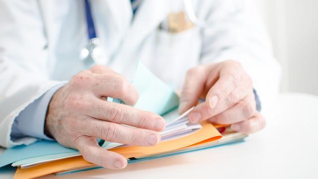 'Patiënten moeten inzage medisch dossier door verzekaar kunnen weigeren'
