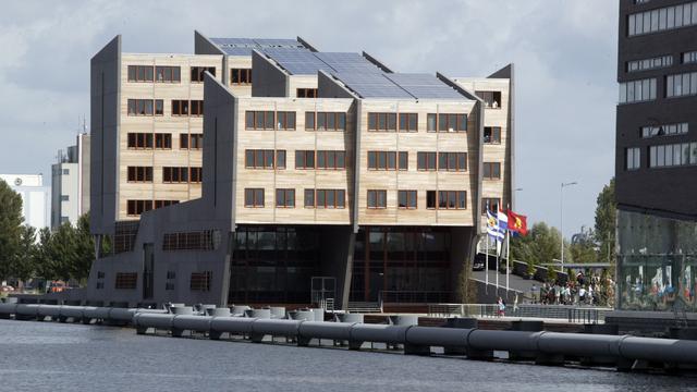 Vergunninghouders in voormalig kantoor Woongoed