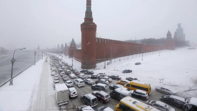 'Abnormaal veel' sneeuw ontregelt Moskou