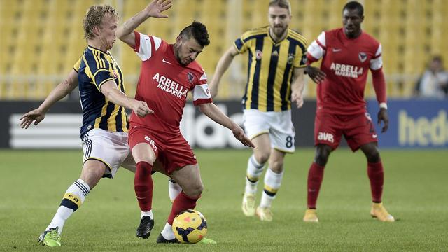 Kuijt koploper met Fenerbahçe, puntenverlies Van Dijk en Celtic