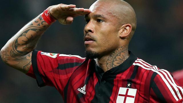 Nigel de Jong verlengt aflopend contract bij AC Milan met drie seizoenen