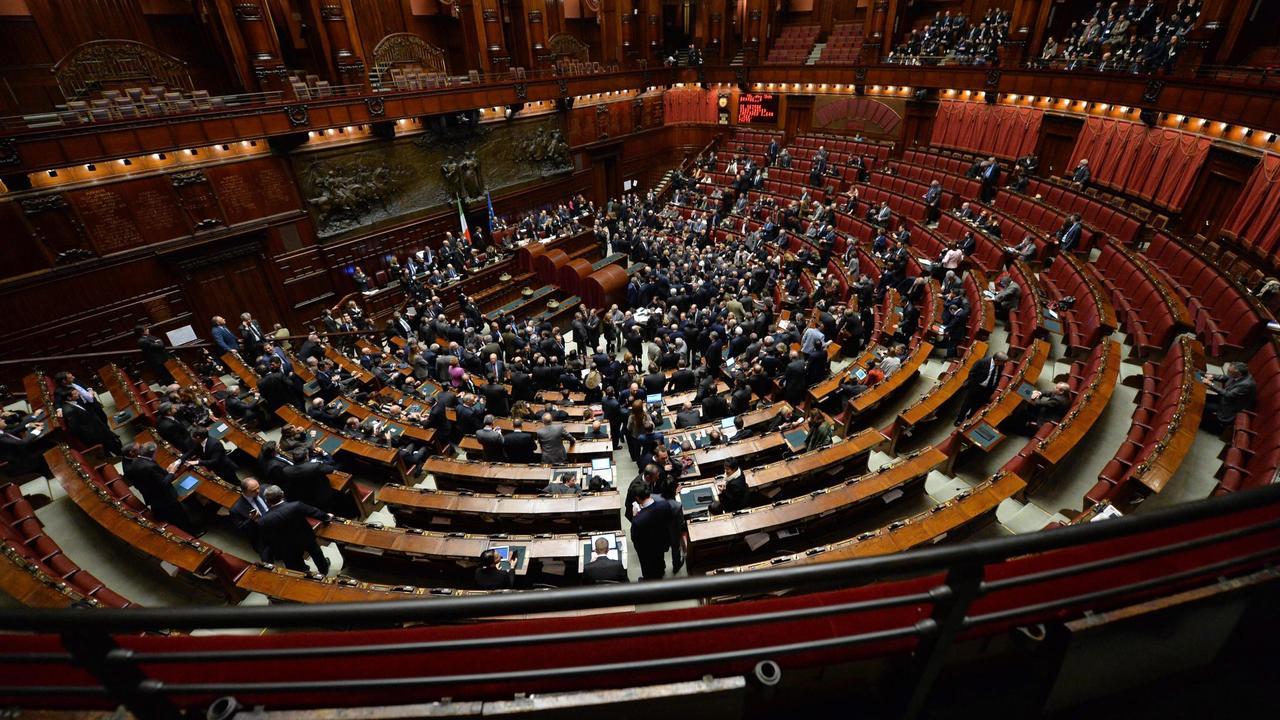 Senaat itali stemt in met kleiner maken eerste kamer nu het laatste nieuws het eerst op for Kleine kamer met water m