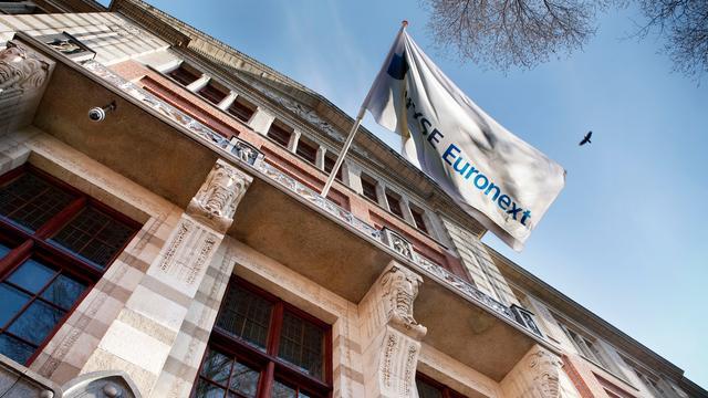 Europese beurzen sluiten handelsdag af met lichte verliezen