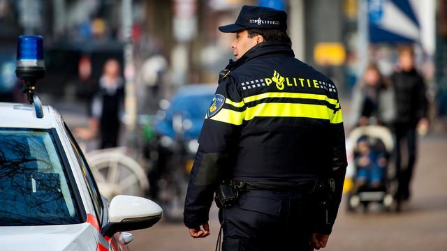 Meerdere gewonden na aanrijding tussen auto's in Amsterdam