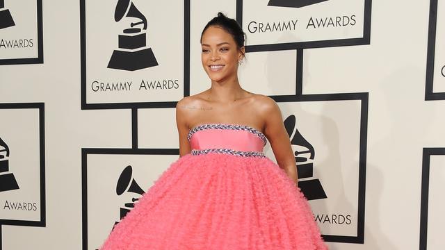 Beroemheden pakken uit voor rode loper Grammy's