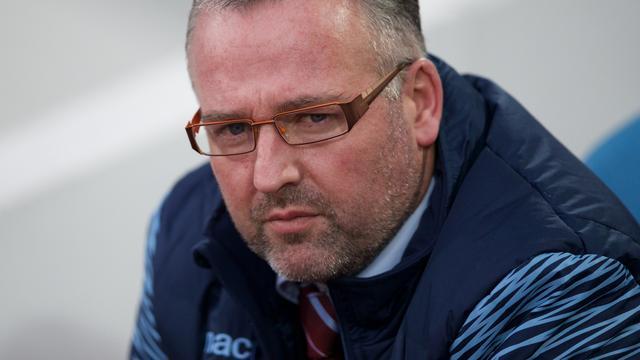 Aston Villa zet manager Lambert op straat