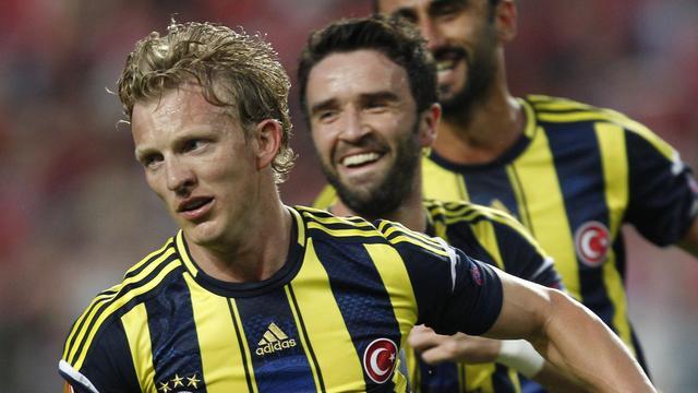 Kuijt belangrijk voor Fenerbahçe, Liverpool naar kwartfinales FA Cup