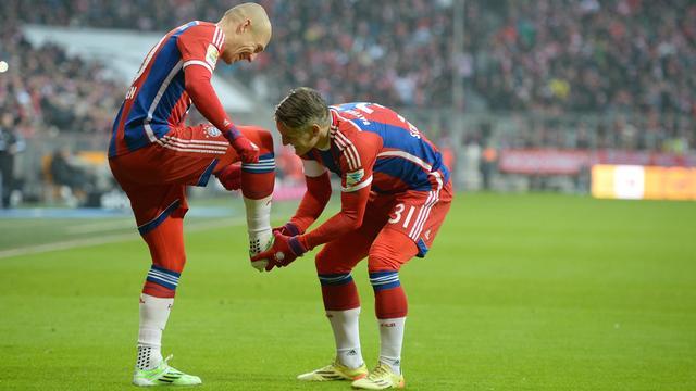 Robben en Bayern vernederen HSV, vier goals Dost voor Wolfsburg