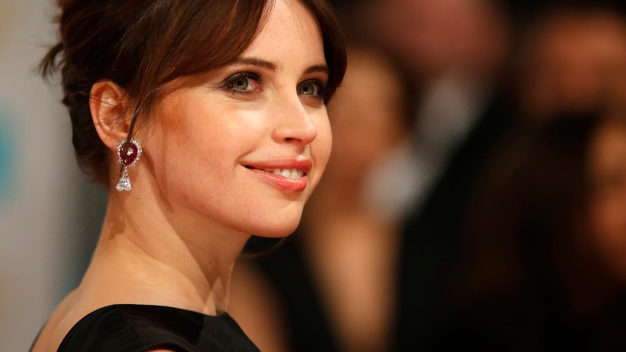 Felicity Jones is sinds Rogue One erg goed in kungfu