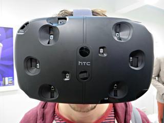Rondlopen in fysieke ruimte met HTC-bril mogelijk