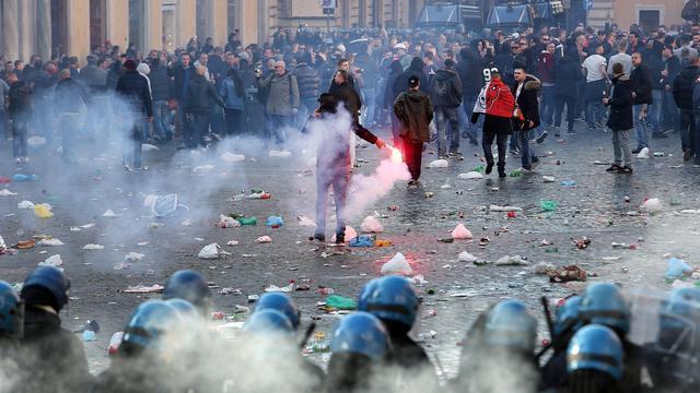 Agenten gehoord in proces tegen Feyenoord-supporters Rome