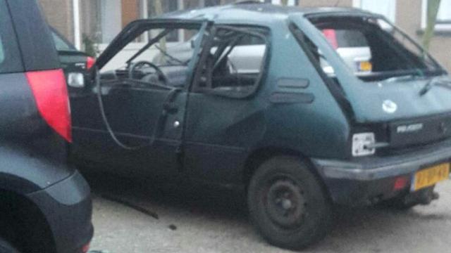 Explosie in geparkeerde auto Rijsbergen
