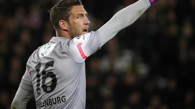 Stekelenburg gelooft na transfer weer in terugkeer bij Oranje
